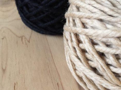 朝の編み物