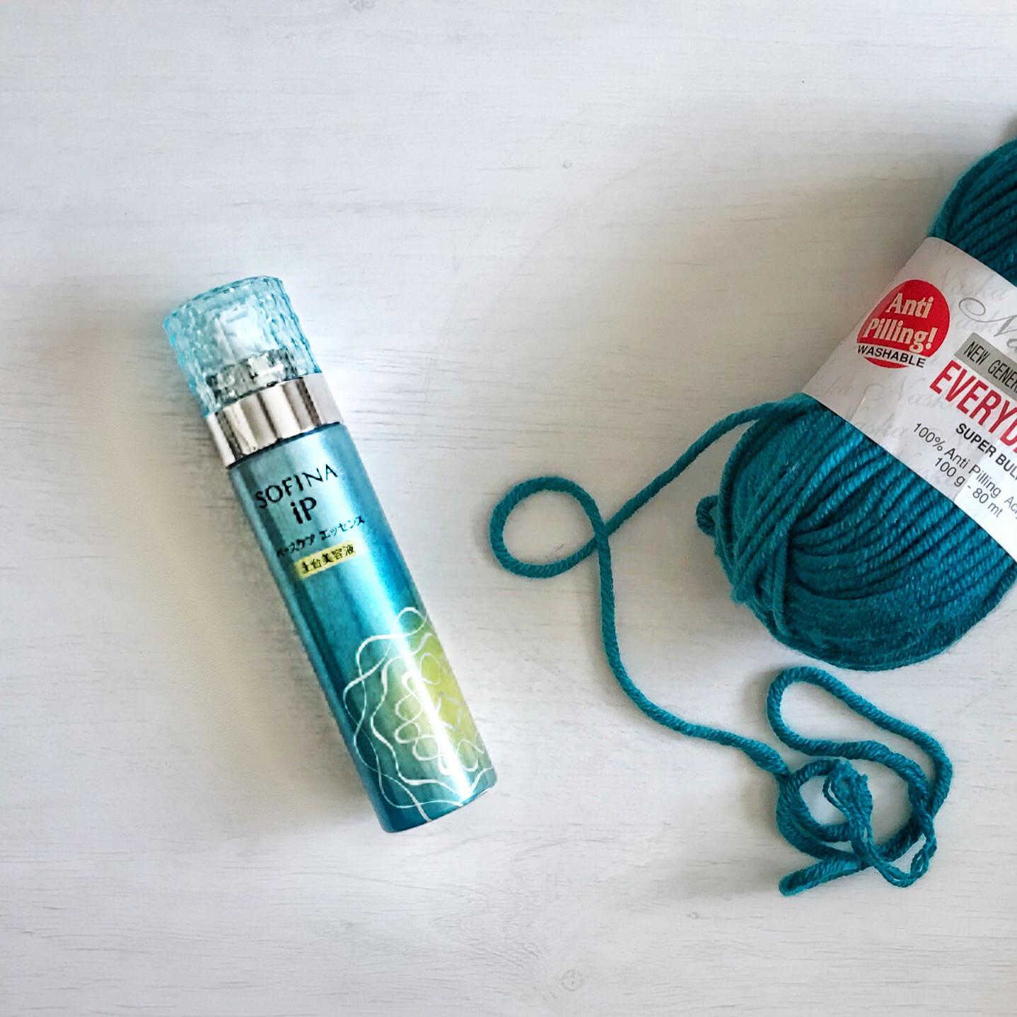 編み物で油分取られてカサカサな肌の季節に助っ人化粧品登場